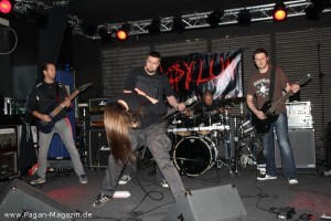 Konzerte_2012.10.13-MOctoberfest_001-Asylum_IMG_9858.JPG.small[1]